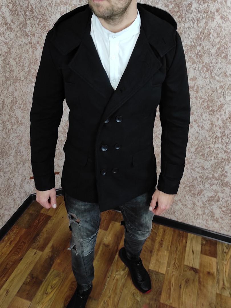 Чоловіче двобортне Пальто з кашеміру з капюшоном.