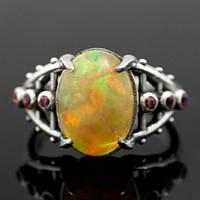 Cеребряное кольцо с эфиопским опалом от WickerRing