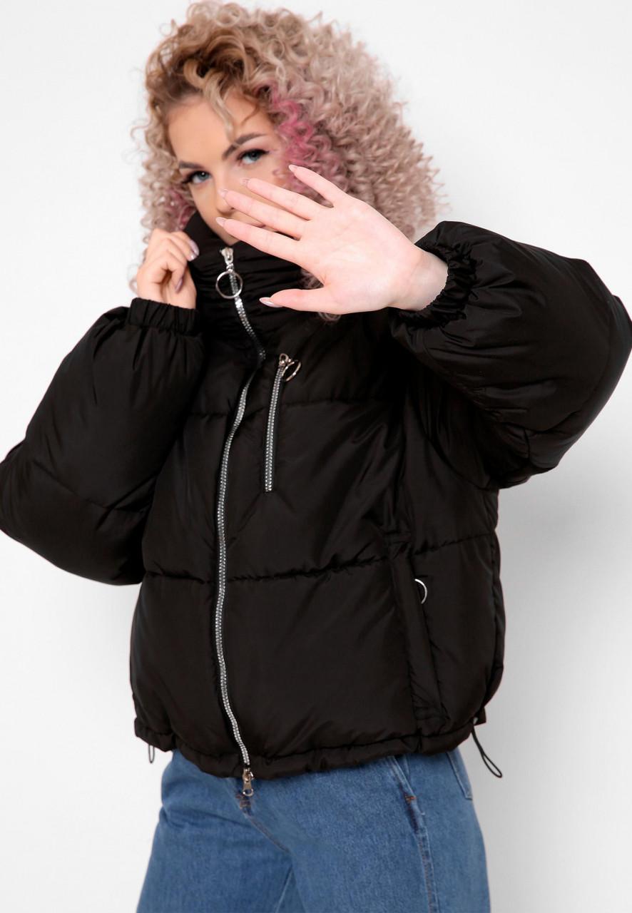 Модная короткая брендовая куртка черного цвета