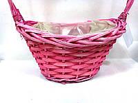 Розовая флористическая корзина для цветочных композиций