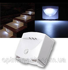 LED светильник с датчиком движения Mighty Light на батарейках, фото 2