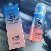 Гель-мусс пиллинг скатка для очищения кожи лица Bioaqua Cherry Blossoms Champer Bubble 120ml