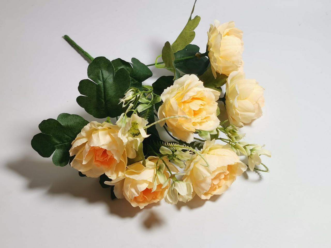 Штучні квіти. Букет півоній, кремово-персиковий
