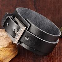 Кожаный широкий браслет на застежке, цвет черный, фото 1