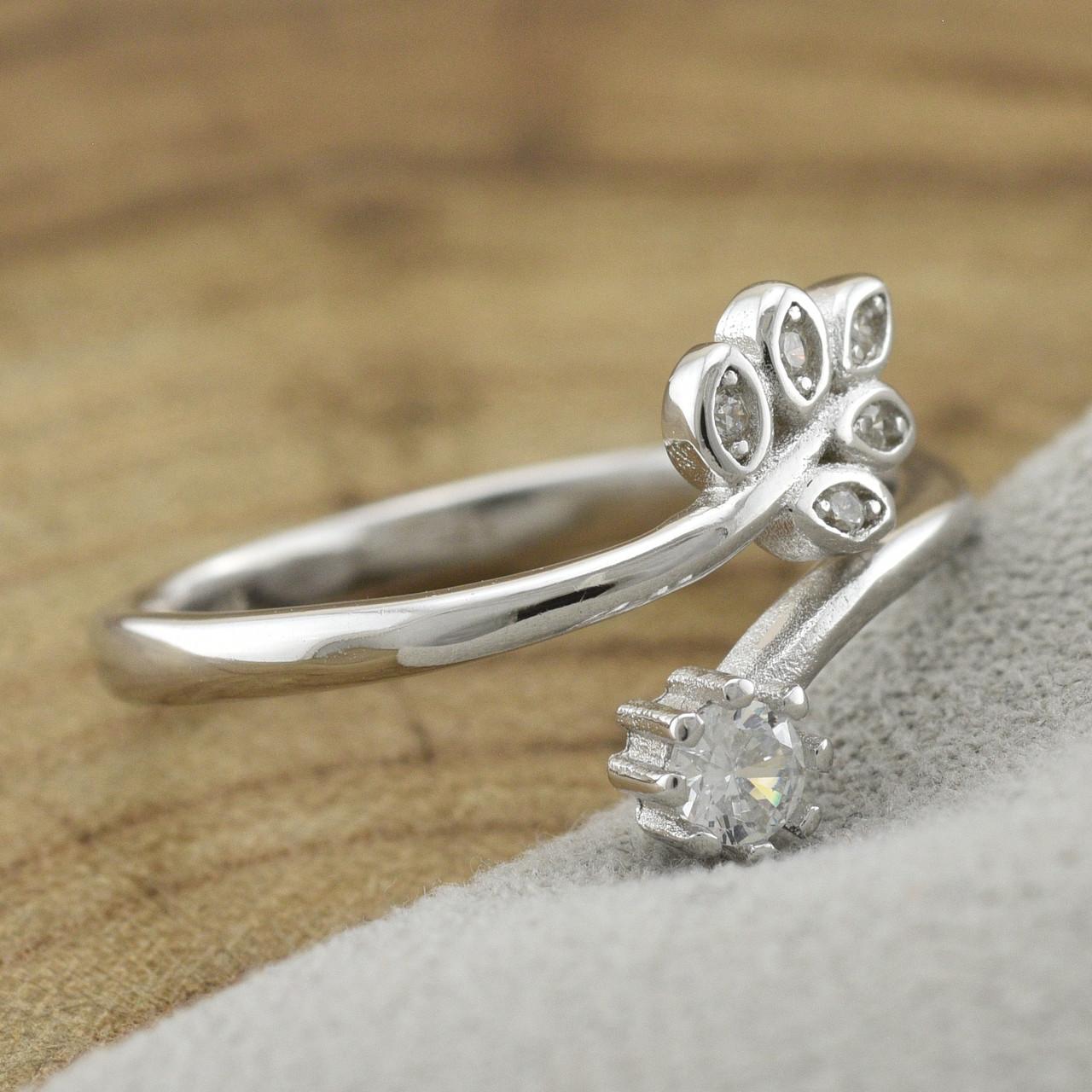 Серебряное кольцо ТС510347б размер 16.5 вставка белые фианиты вес 1.85 г