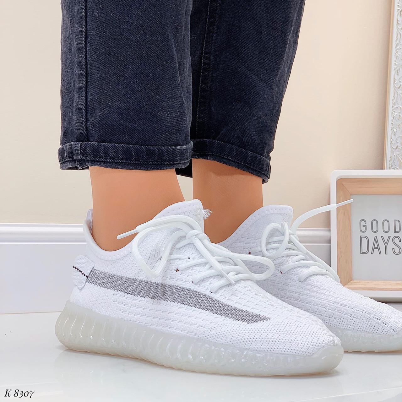 Стильні жіночі кросівки білі текстиль