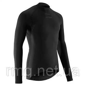 Одежда для велосипедистов с длинным рукавом.