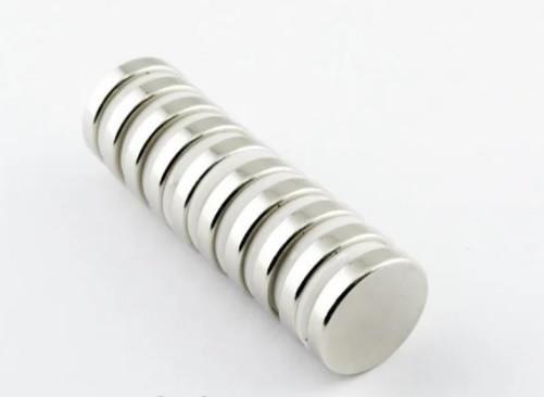 Польский неодимовый магнит 15мм*3мм, 3,5кг, N42