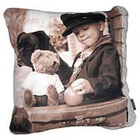 Фотоподушка Мальчик с чемоданом
