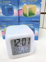 Настольные часы хамелеон Glowing LED Color Change с будильником, от 3 батареек ААА, часы