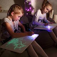 """Набор для рисования в темноте """"Рисуй светом"""" A4 ручка, трафареты, от 6 лет, доска для рисования светом, фото 1"""