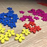 Деревянная декоративная пришивная пуговка-цветочек 15 мм Малиновая, фото 2