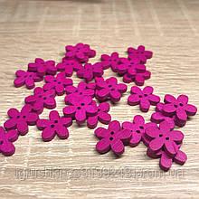 Деревянная декоративная пришивная пуговка-цветочек 15 мм Малиновая