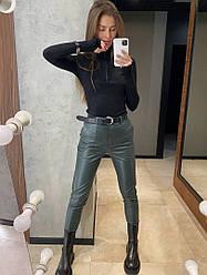 Женские стильные брюки из эко кожи,цвет бутылка