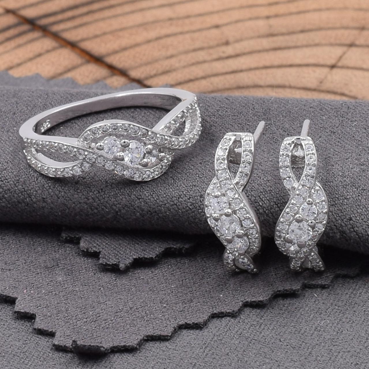 Серебряный набор кольцо размер 18.5 + серьги 16х6 мм вставка белые фианиты вес 4.9 г