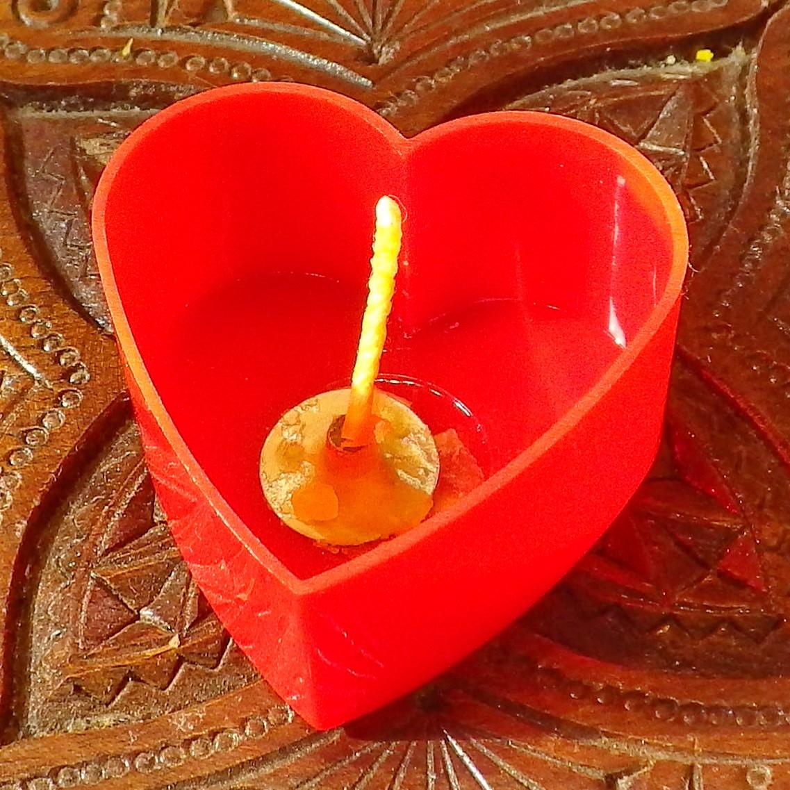 Набор для изготовления чайной свечи Валентинка (красный контейнер чайной свечи, фиксатор фитиля, фитиль)