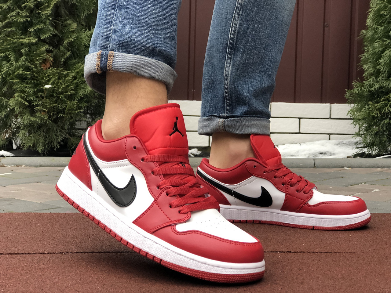 Чоловічі кросівки Nike Air Jordan 1 Low , червоні з білим / чоловічі кросівки Найк (Топ репліка ААА+)