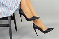 Женские кожаные туфли черные на шпильке