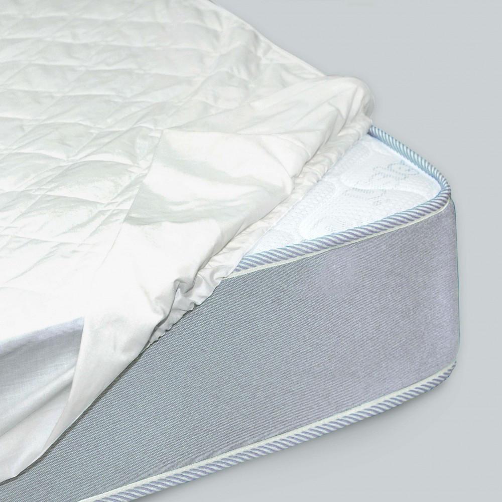 Наматрасник стеганый с бортами ранфорс 120х200+25 см  наматрасник на кровать