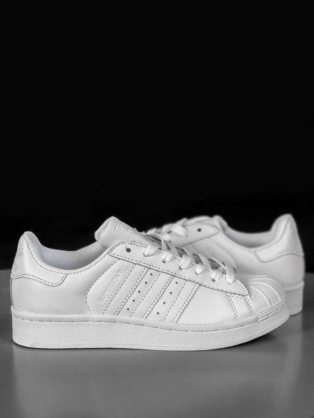 Жіночі білі кросівки Adidas Superstar із шкіри