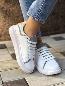 Женские кожаные кроссовки Alexander McQueen c рефлективом