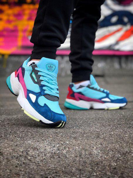 Жіночі замшеві кросівки Adidas Falcon, два кольори