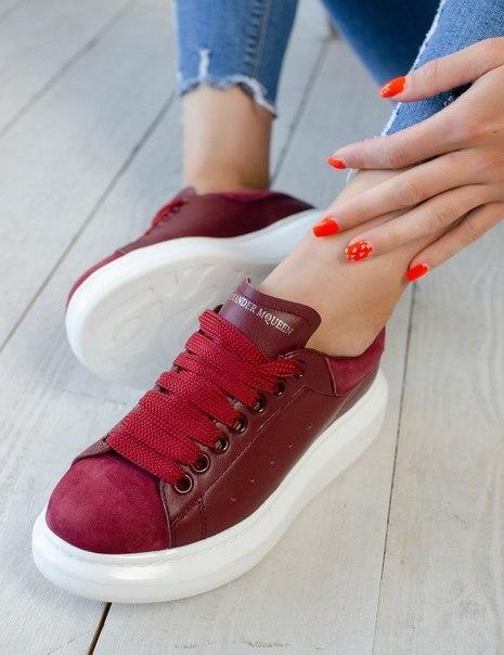 Жіночі шкіряні кросівки Alexander McQueen