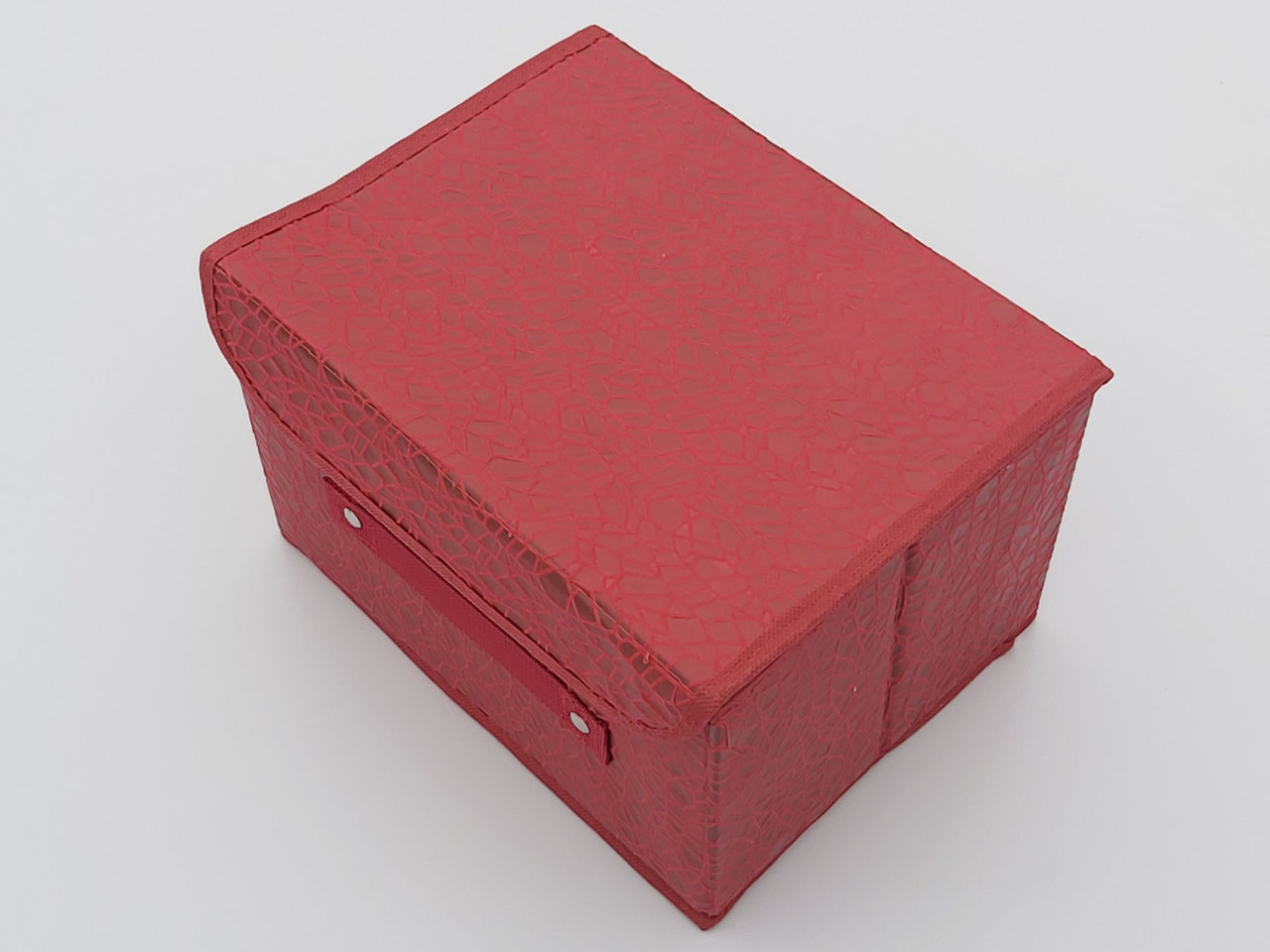 Коробка органайзер для хранения красного цвета