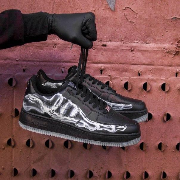 Чоловічі шкіряні кросівки Nike Air Force Skeleton QS black