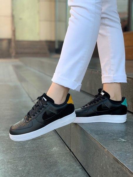 Жіночі чорні кросівки Nike Air Force 1 low з натуральної шкіри