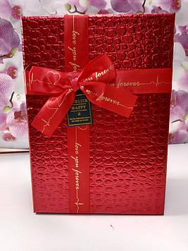Подарочная коробочка прямоугольная красная лаковая с крышкой с  бантом под кожу крокодила