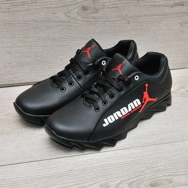Шкіряні чоловічі кросівки Jordan