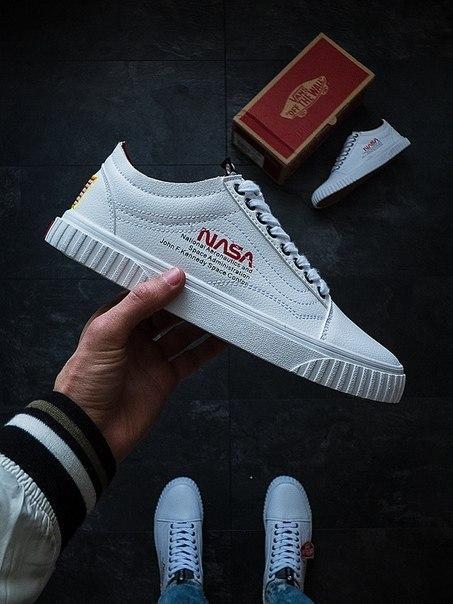 Білі чоловічі кросівки Vans Old Skool