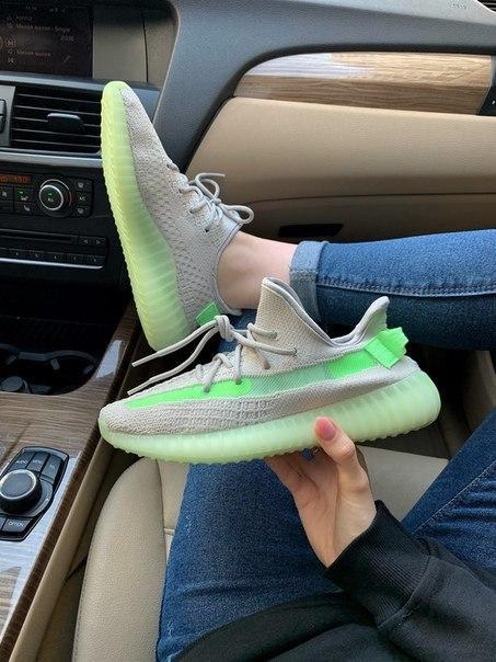 Текстильные модные кроссовки Adidas Yeezy Boost 350 grey/green