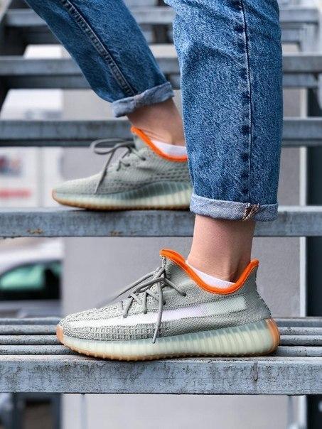 Текстильні кросівки Adidas Yeezy Boost 350 V2 Linen Revealed