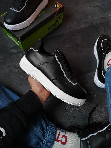 Мужские кожаные черные кроссовки с рефлективными вставками