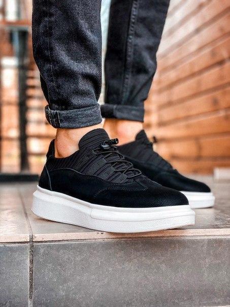Черные мужские кроссовки на дизайнерской подошве