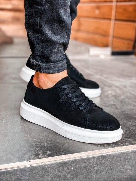 Мужские черные кроссовки на мягкой подошве
