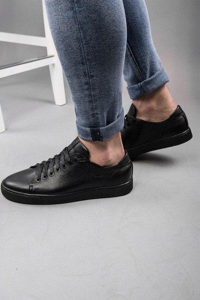 Чорні чоловічі кросівки з натуральної шкіри