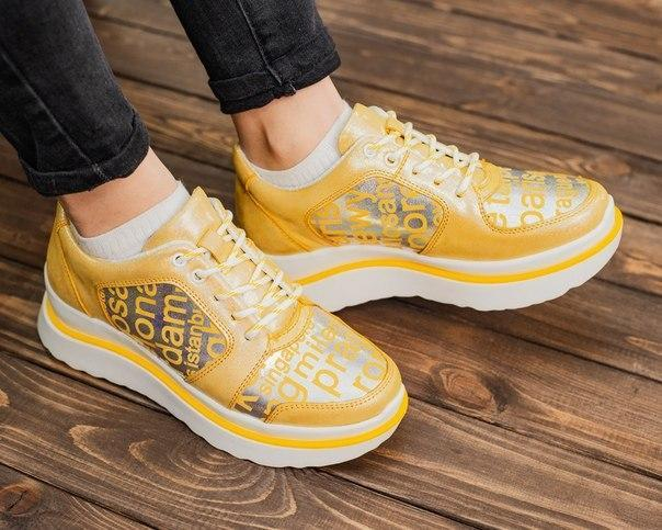 Жіночі модні шкіряні кросівки, якість топ