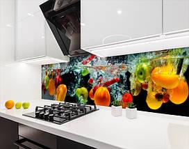 Виниловая наклейка на кухонный фартук овощи и фрукты в воде, с защитной ламинацией, 60 х 200 см., фото 2