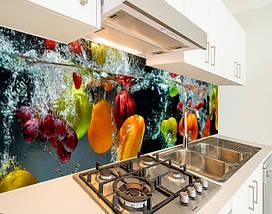 Виниловая наклейка на кухонный фартук овощи и фрукты в воде, с защитной ламинацией, 60 х 200 см., фото 3