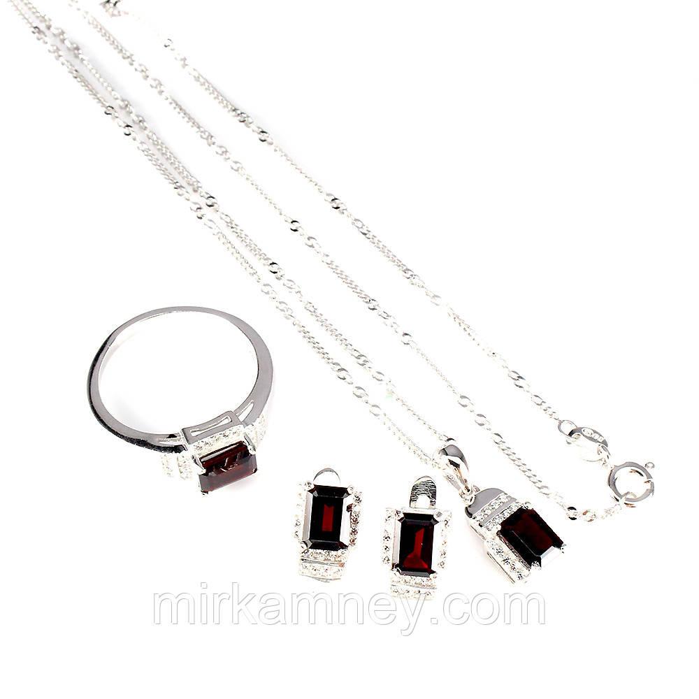Шикарный серебряный комплект: кольцо (р.19),серьги и кулон с камнем Гранат Мозамбик. Форма Октагон.(Бразилия).
