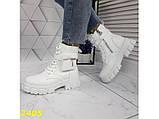 Ботинки на высокой тракторной подошве белые демисезон с портупеей 40 р. (2405), фото 3