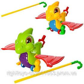Каталка 0360 (72шт) на палке 46см, дракончик, звук, машет крыльями, 2цвета, в кульке, 20-21-13см