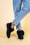 Лоферы женские замшевые черные с опушкой на светлой подошве, фото 3