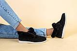 Лоферы женские замшевые черные с опушкой на светлой подошве, фото 4