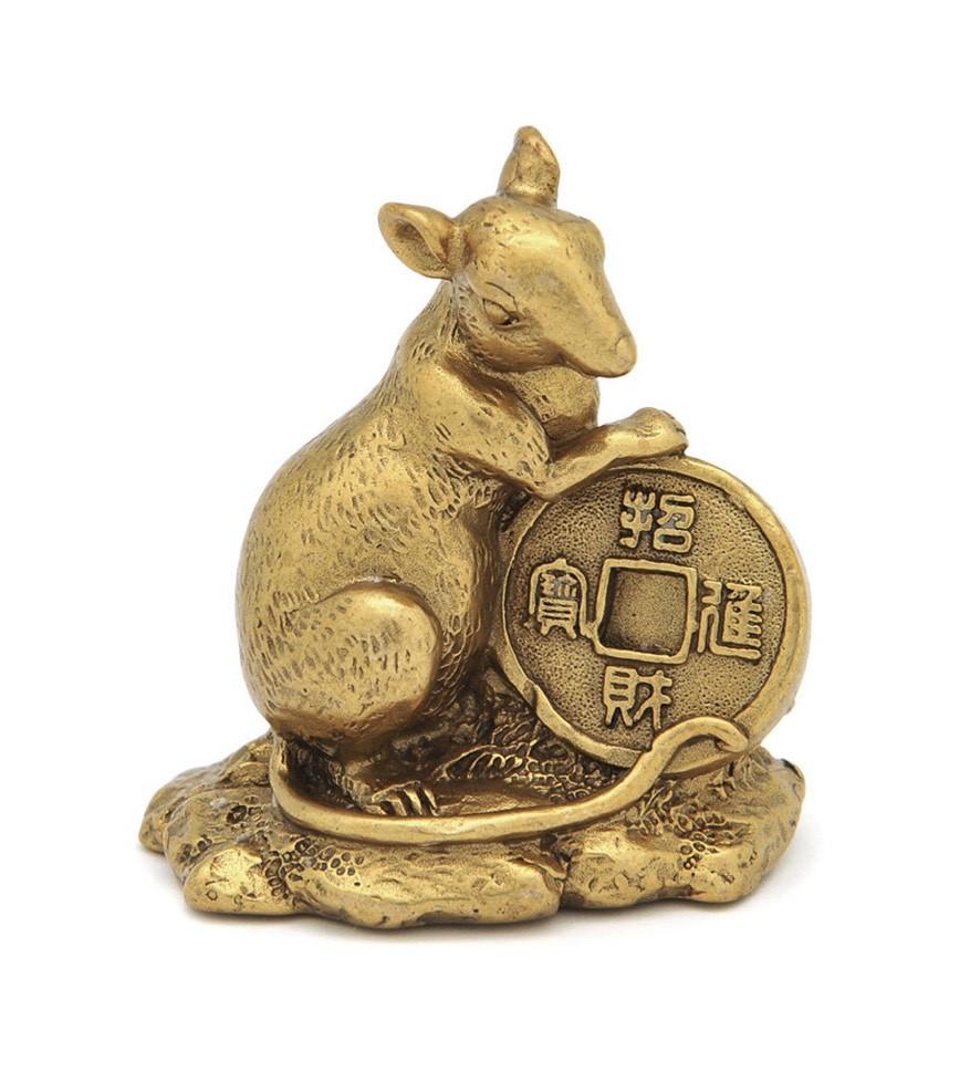 Золотая крыса с монеткой символ богатства