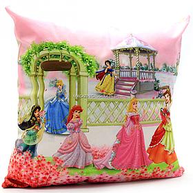 Подушка детская KinderToys «Принцессы» 43х43х10 см (24970-1)