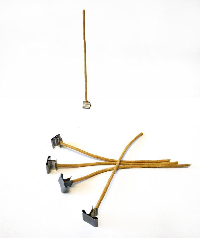 Гніт для свічок вощений 5 мм з металевим тримачем. Висота 15 см